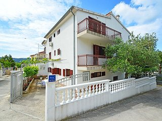 2 bedroom Apartment in Baselovici, Croatia - 5039050