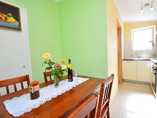 2 bedroom Villa with Air Con, WiFi and Walk to Beach & Shops - 5131196
