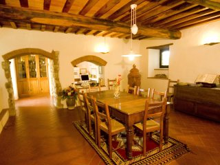 4 bedroom Villa in Montefiesole, Tuscany, Italy : ref 5554007