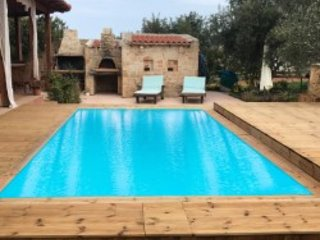 Relaxing 5 BD villa with private swimming pool.