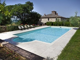 Poggio Santa Cecilia Villa Sleeps 7 with Pool - 5228975