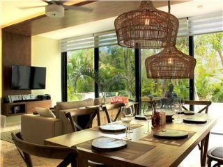 Gorgeous Home with Private Pool and Resort Amenities