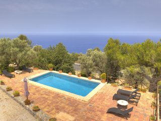 Villa 4 in Deia area with private pool
