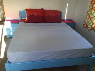CasaCalypso - Leeward Apartment - two bedroom; central location