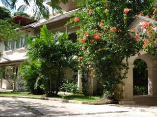 Villa Evergreen  (Nestled In The Heart Of Three Acres Of Lush, Rolling Tropical