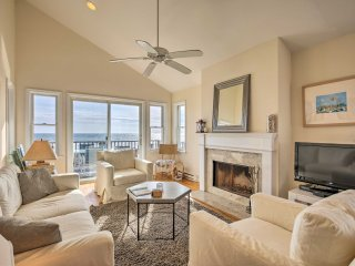 Westhampton Dunes Home w/Ocean View & Beach Access