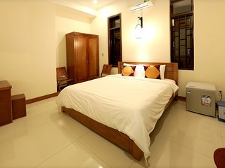 Golden Sunbeam Homestay: Double Bedroom 1 with ensuite