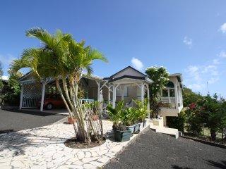Villa typique creole ''KAZ ALIZES' vue mer et berce par les alizes