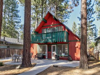Dog-friendly mountain home with private hot tub & sauna - close to outdoor fun!