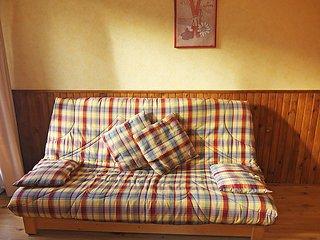 Levassaix Apartment Sleeps 5 with WiFi - 5030065