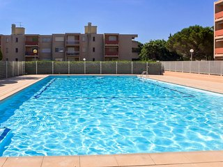 1 bedroom Apartment with Pool, WiFi and Walk to Beach & Shops - 5051674