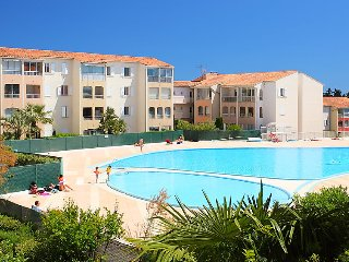 1 bedroom Apartment in Frejus, Provence-Alpes-Cote d'Azur, France : ref 5039167