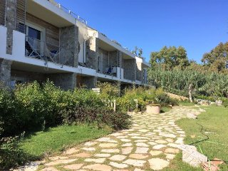 2 bedroom Apartment with Air Con and Walk to Beach & Shops - 5801758