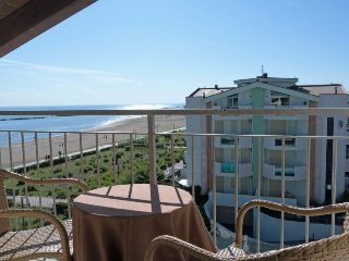 Montepagano Apartment Sleeps 4 with Pool Air Con and WiFi - 5055038