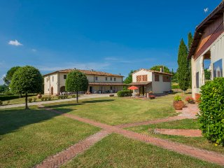 2 bedroom Apartment in Bucine, Tuscany, Italy : ref 5055292