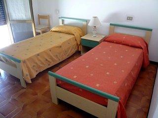 Marina di Bibbona Apartment Sleeps 6 - 5055762