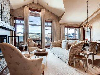 Ski-in, Ski-out Top Floor Condo, Ritz-Carlton Amenities, Billiards Loft