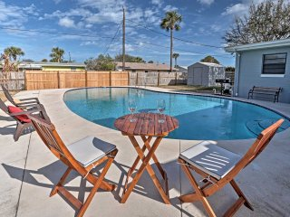 Ormond Beach House w/ Pool - 5 Miles to Daytona!