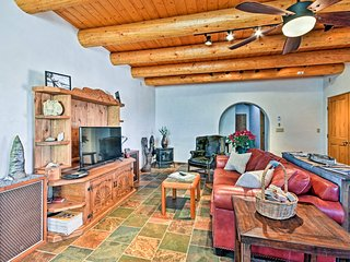 NEW! Quiet 2BR Arroyo Seco Home w/Mountain Views