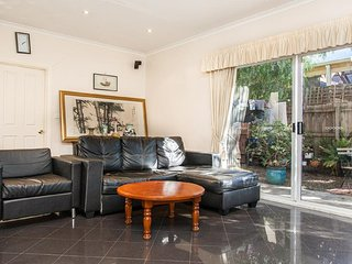Private Beds Exotic Mansion close to CBD