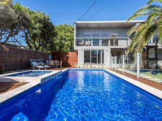 Front Beach House - large & pool