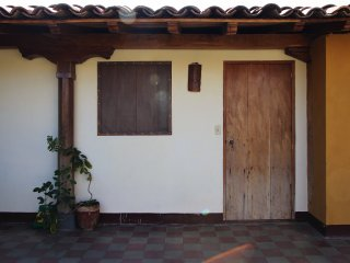 El Calvario House R3 - Home away from Home