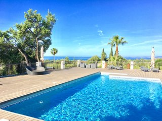 Marbella selection of the best villas close by Puerto Banus