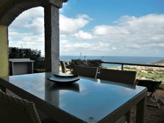 Domus Sarda - Le Mimose - appartamento con giardino vista mare