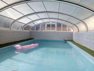 Casa Solar, private heated covered pool & gardens, villa near beach & town.