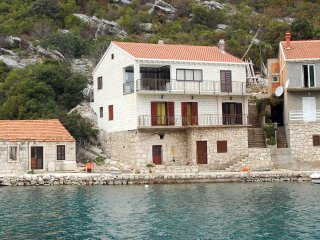 Three bedroom apartment Prozurska Luka, Mljet (A-618-a)