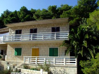 Three bedroom apartment Povlja (Brac) (A-716-a)