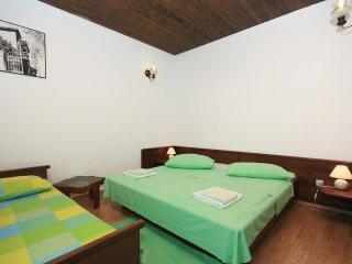 Two bedroom apartment Puntinak, Brač (A-718-d)
