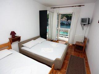 One bedroom apartment Stomorska, Šolta (A-781-b)