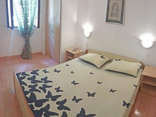 One bedroom apartment Rukavac, Vis (A-1153-b)