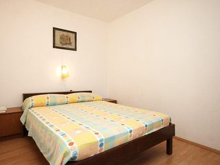 Two bedroom apartment Rukavac, Vis (A-1153-d)