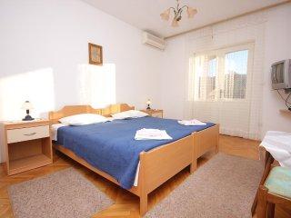One bedroom apartment Stari Grad, Hvar (A-126-b)