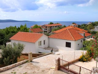 Two bedroom apartment Zavala, Hvar (A-128-a)