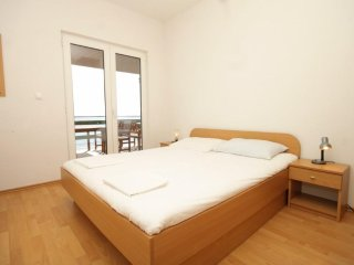 One bedroom apartment Milna, Hvar (A-555-c)