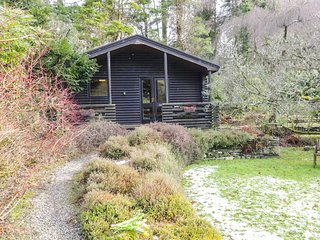 GRASMERE ground floor lodge, romantic retreat, in National Park in Greenodd Ref