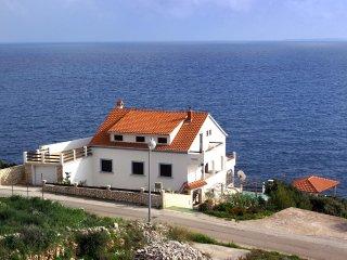 Smokvica Apartment Sleeps 5 with Pool and WiFi - 5458974