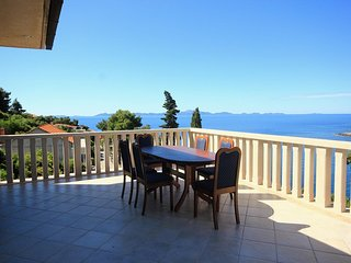 Smokvica Apartment Sleeps 6 with Air Con and WiFi - 5459489