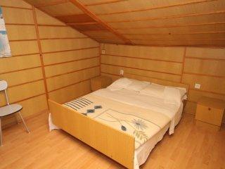 Four bedroom apartment Kali, Ugljan (A-344-b)