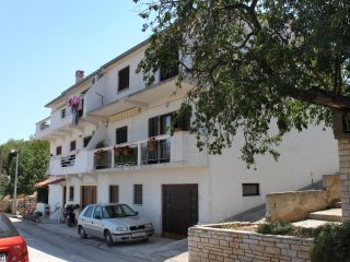 Two bedroom apartment Sali (Dugi otok) (A-895-a)