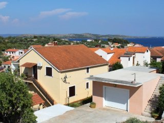 Two bedroom apartment Sali (Dugi otok) (A-872-a)
