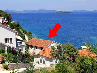 Two bedroom apartment Sali (Dugi otok) (A-880-a)