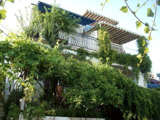 Two bedroom apartment Seget Vranjica, Trogir (A-2037-a)