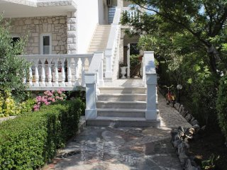 Selce Apartment Sleeps 4 with Air Con - 5460636