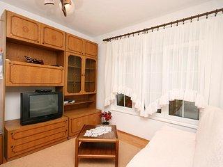 One bedroom apartment Novi Vinodolski (A-2417-b)