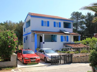 Two bedroom apartment Artatore (Losinj) (A-2475-b)