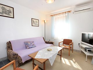 Two bedroom apartment Artatore, Losinj (A-2475-b)